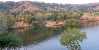 Naturalna sceneria w lesie, mahi tylna woda, banswara, Rajasthan, India Fotografia Royalty Free