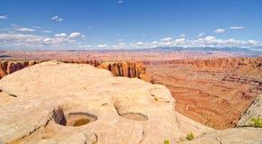 Naturalne dziury przy Canyonlands parkiem narodowym, UT Obrazy Stock