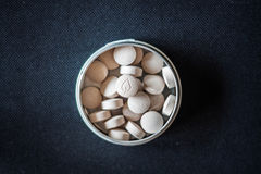 Naturalne witamin pigułki w pakunku Zdjęcie Royalty Free