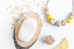 Naturalni organicznie kosmetyki dla dziecka na białego tła odgórnym widoku Zdjęcie Royalty Free