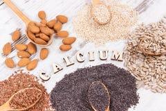 Naturalni składniki jako wapnie, witaminy, kopaliny i włókno źródła, obraz royalty free