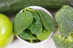 Naturalni zieleni składniki jako źródło kopaliny i witaminy Zdjęcie Stock
