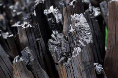 Naturalny drewniany węgiel drzewny, tradycyjny węgiel drzewny lub ciężki drewniany charcoa, Obrazy Stock