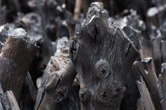 Naturalny drewniany węgiel drzewny, tradycyjny węgiel drzewny lub ciężki drewniany charcoa, Zdjęcia Royalty Free