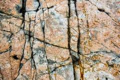 Naturalny granit pęka w skale przy Acadia parkiem narodowym, usa zdjęcia royalty free