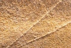 Naturalny granitu kamień z unikalnym wzorem włączenia kwarc żyły wystawiać oddziaływanie wiatr na wybrzeżu obrazy stock