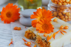 Naturalny handmade mydło z calendula i dennym buckthorn zdjęcie stock
