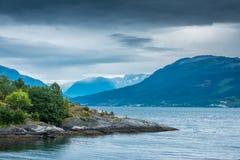 Naturalny Hardangerfjord fjord krajobraz Norway Fotografia Royalty Free
