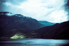 Naturalny Hardangerfjord fjord krajobraz Norway Zdjęcie Stock