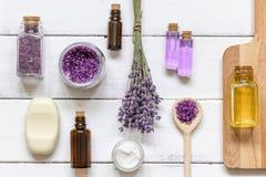 Naturalny kosmetyk z lawendowym odgórnym widokiem Zdjęcie Stock