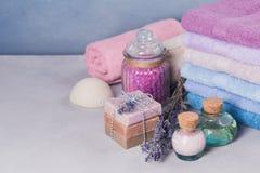 Naturalny kosmetyka olej, śmietanka, morze sól i naturalny handmade mydło, Zdjęcie Royalty Free