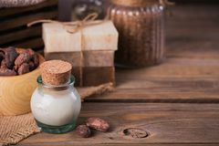 Naturalny kosmetyka olej, morze sól i naturalny handmade mydło z co, Fotografia Stock