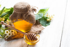 Naturalny lipowy miód obrazy royalty free