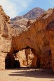 Naturalny most w Śmiertelnym Dolinnym parku narodowym, Kalifornia obrazy royalty free