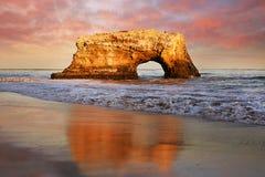 Naturalny most w pomarańcze, Kalifornia obrazy stock