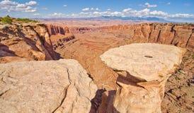 Naturalny stół przy Canyonlands parkiem narodowym Obrazy Royalty Free