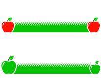 Naturalny tło z zieloną trawą i jabłkiem royalty ilustracja
