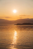 Naturalny tło: zmierzch lub wschód słońca na oceanie Obrazy Royalty Free