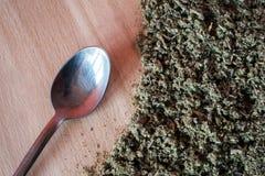 Naturalny ziołowy podżegający, antimicrobial, hemostatyczny - organicznie mądra herbata obrazy royalty free