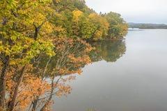 Nature湖在秋天 免版税图库摄影