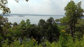 Nature& x27; beleza de s do lago e das ilhas de Tilaia fotografia de stock