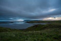 Nature et coucher du soleil d'Islandic, sur la route image libre de droits