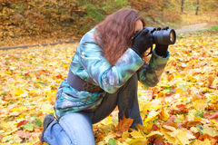 Nature photographer at work Royalty Free Stock Photos