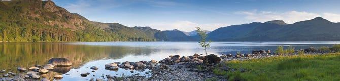 Nature reflétée, secteur de lac, R-U Photos libres de droits