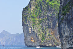 Nature étonnante et destination exotique de voyage en Phi-Phi Island, Thaïlande Photo libre de droits