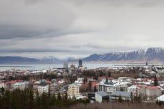 A natureza bonita cerca a cidade de Reykjavik Foto de Stock