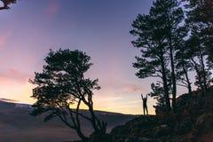 Natureza bonita da silhueta da menina Fotografia de Stock Royalty Free