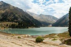 A natureza de Cazaquistão Lago Almaty imagem de stock royalty free