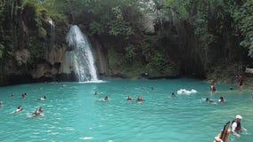 Natureza de 3Sudeste Asi?tico Nadar dos povos no lago video estoque