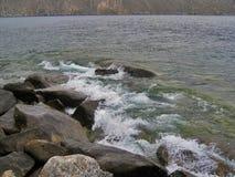 Natureza do Lago Baikal surf Fotos de Stock