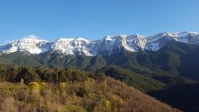Natureza em montanhas dos pyrinees imagem de stock royalty free