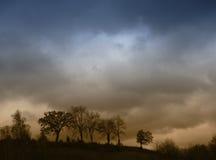Natureza escura e tormentoso imagens de stock