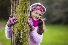 Natureza loving da criança fotos de stock
