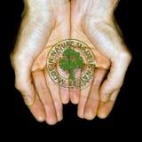 Natureza nas mãos Imagens de Stock Royalty Free