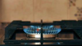 Naturgasinflammation i ugngasbrännare lager videofilmer