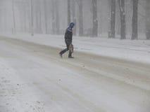 Naturkatastrophen Winter, Blizzard, starke Schneefälle gelähmt die Stadt, Einsturz Schnee bedeckte den Wirbelsturm Europa Stockfotos