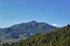 Naturlandskap, berg från xalapaen Mexiko Royaltyfri Bild