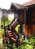 Naturlig arkitektur för stilsemesterortvilla Royaltyfri Foto