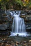 Naturlig fördämningvattenfall 1 fotografering för bildbyråer