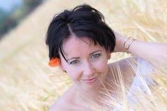 naturlig härlig flicka fotografering för bildbyråer
