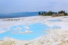 Naturlig kalkstenvattentips i Pamukkale Royaltyfri Bild