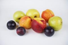 Naturlig läcker organisk blandad frukt arkivbilder