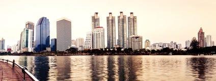 naturlig panorama för bakgrundsstadsliggande Arkivfoto