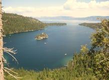 Naturlig skönhet av Lake Tahoe Arkivbilder
