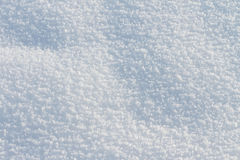 Naturlig snöbakgrund i vintern Arkivbilder