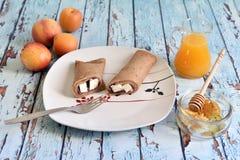 Naturlig, sund och utsökt frukost Royaltyfria Bilder